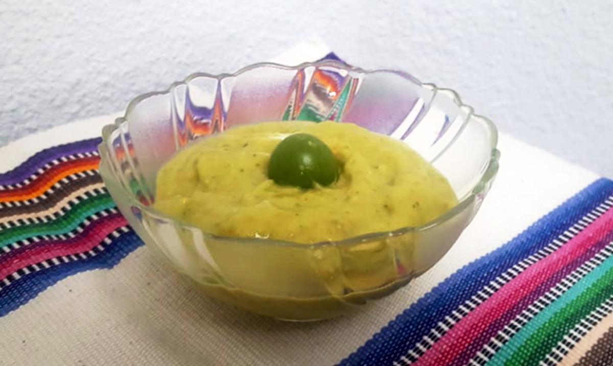 salsa de aguacate con miltomates guatemala mundochapin - Home